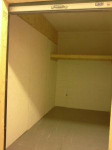 Medium self storage unit one shelve NC